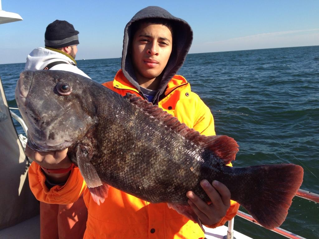 Jonathon hopkins 14 lbs black fish nj saltwater for Nj saltwater fishing report